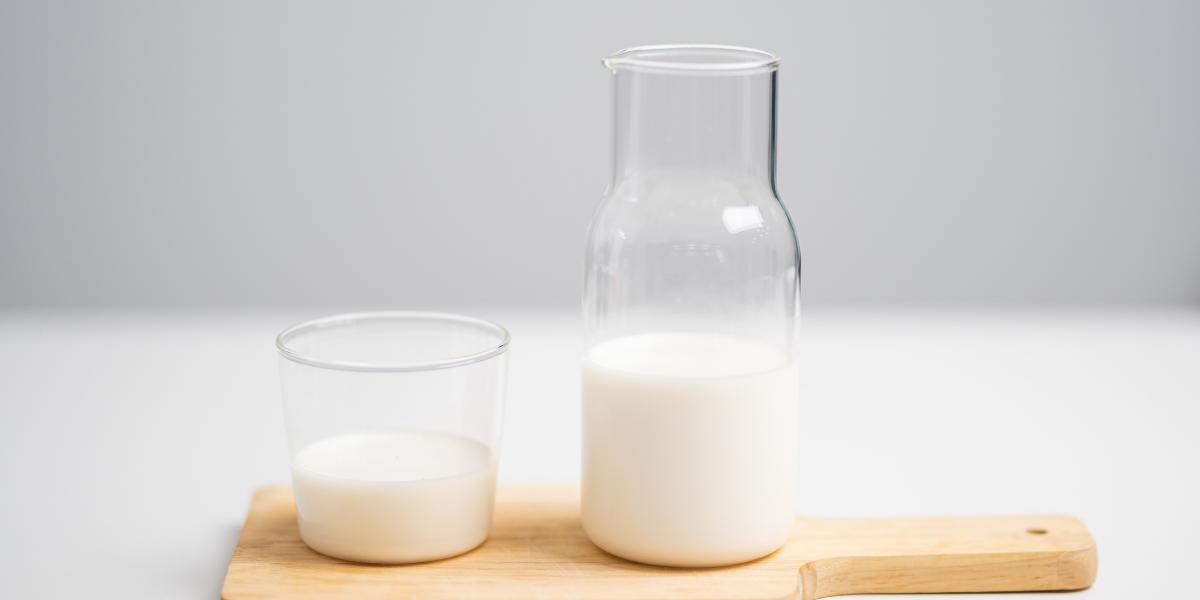 Le lait de pois jaunes: la boisson star du moment !